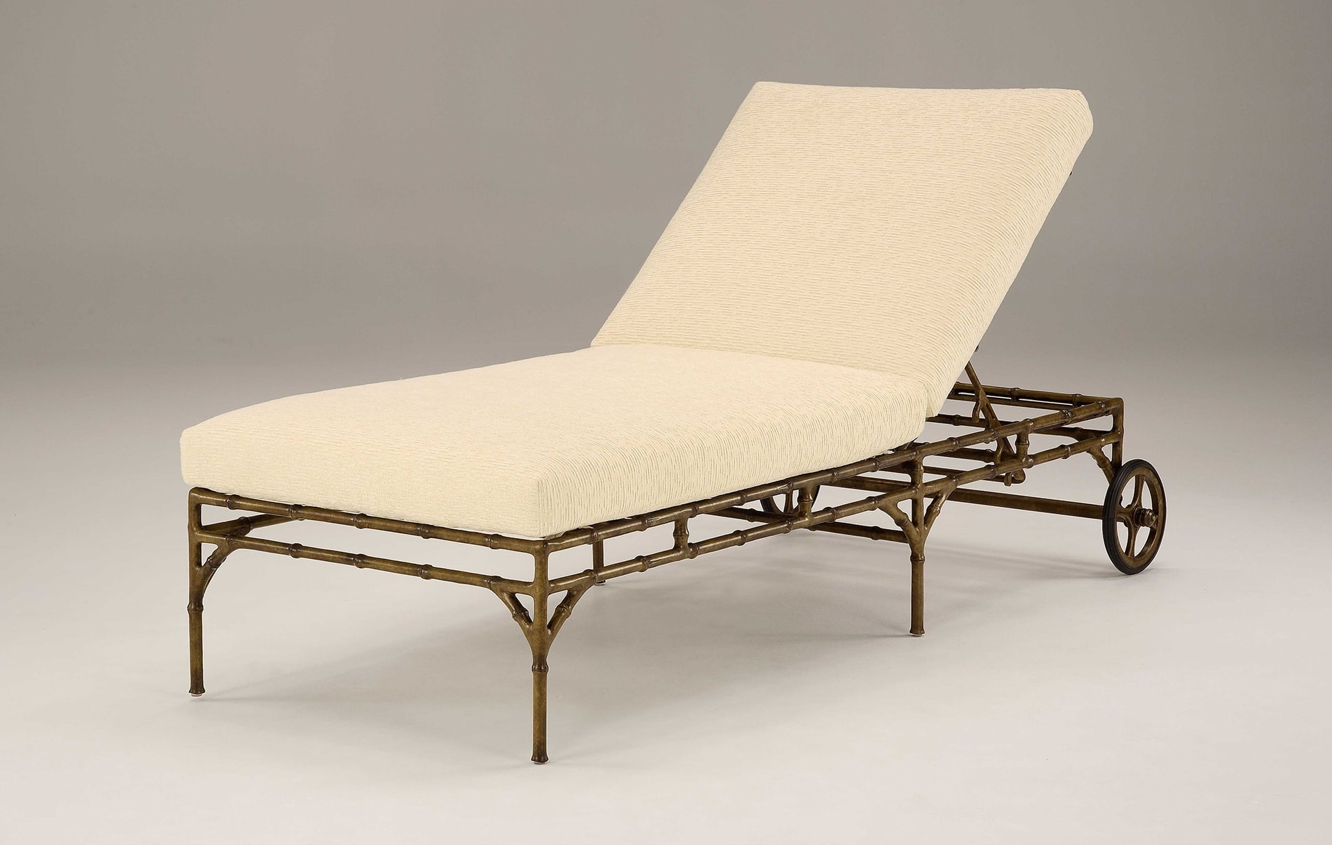 bamboo single chaise with wheels - Chaise Metal
